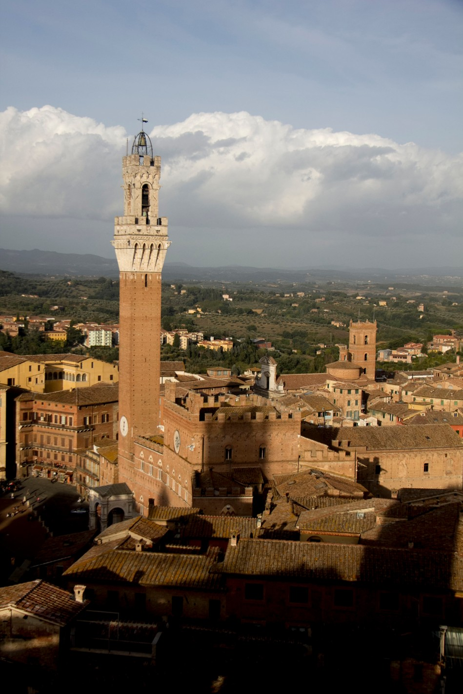Siena la Palazzo and countryside